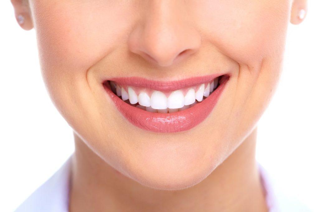ترمیم و زیباسازی دندان
