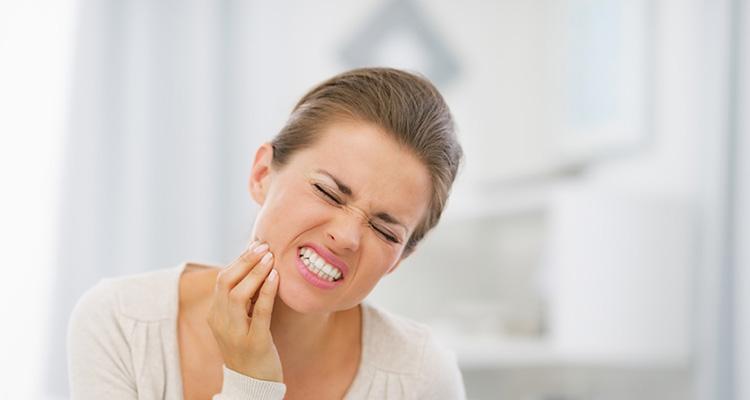 درد و حساسیت دندانی